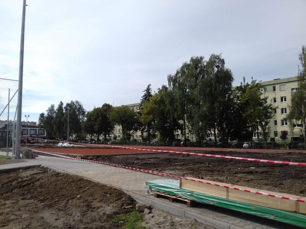 Budowa kompleksu sportowego w Szkole Podstawowej nr 5 w Śremie jest na ukończeniu